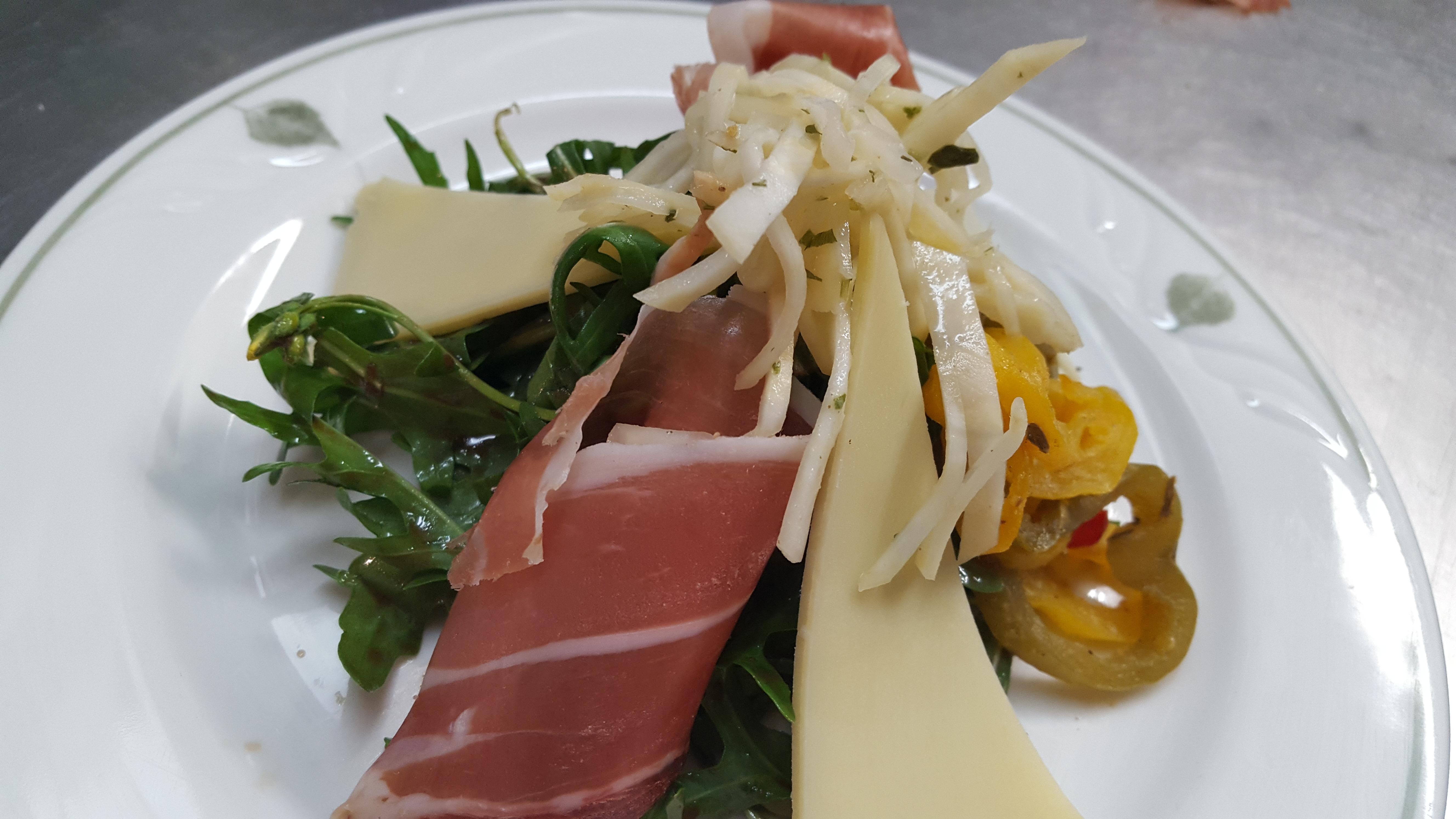 Alpine-arugula-salad-1